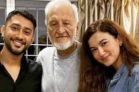 Gauahar Khan Father Death : गौहर खान के पिता का निधन, दोस्त ने शेयर किया इमोशनल VIDEO