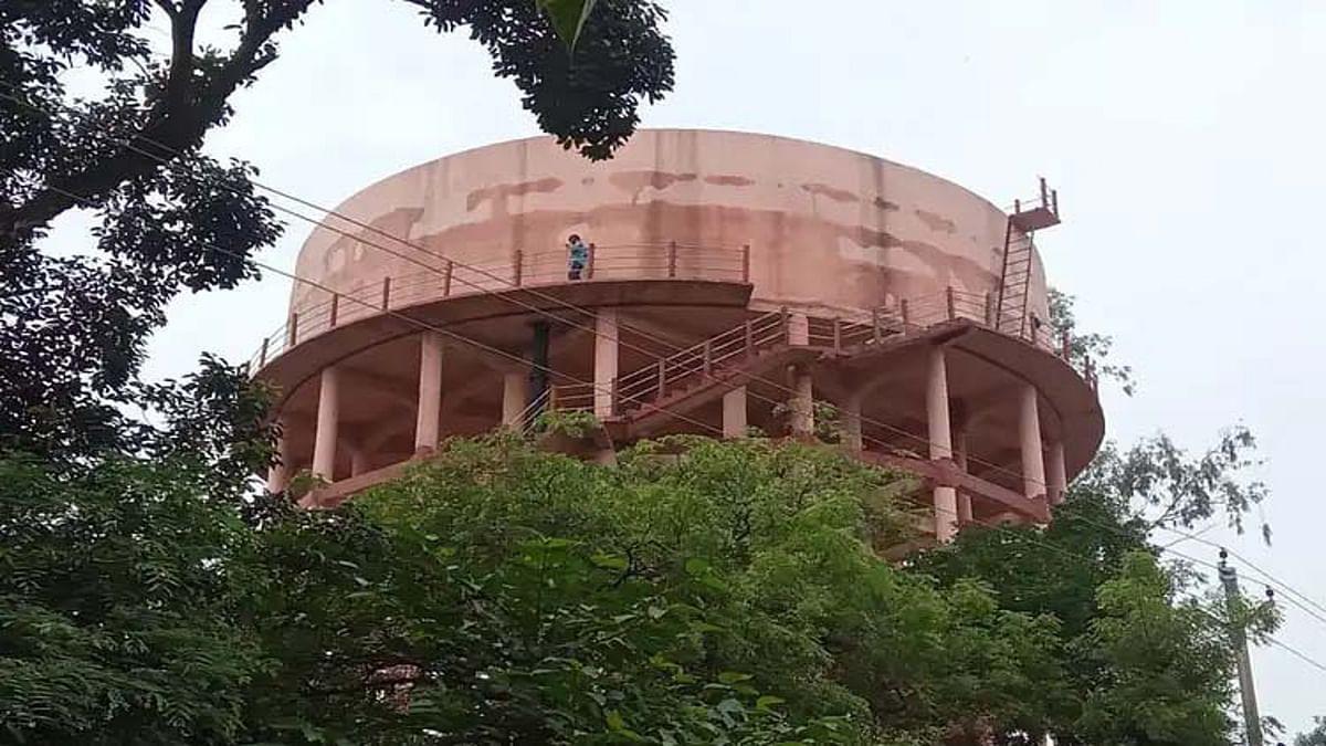 Jharkhand News : करोड़ों खर्च करने के बाद भी लातेहार के शहरवासियों की नहीं बुझ रही प्यास, शुरू से ही विवादों में रहा शहरी जलापूर्ति योजना