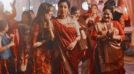 Anupama Written Update : इस बार अनुपमा की शाह परिवार में होगी आखिरी होली? होलिका दहन पर हुआ ये...