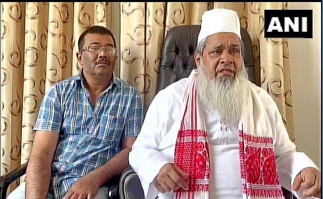 Assam Chunav 2021 : इस्लामिक स्टेट बनाने की बात कहने वाले वायरल वीडियो पर मौलाना बदरुद्दीन अजमल कासमी ने दी सफाई, बताया 100% फेक