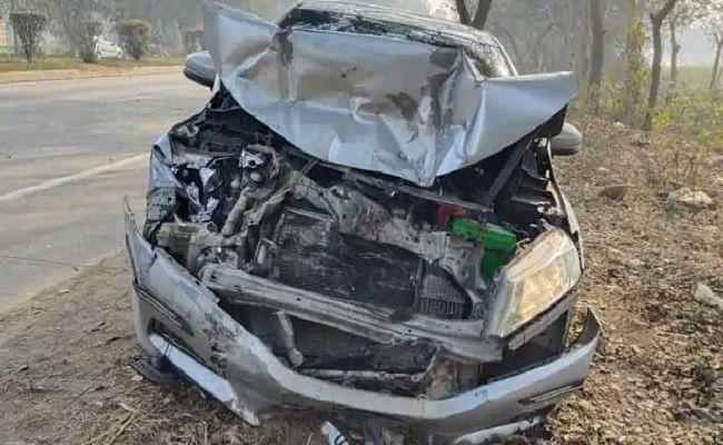 BREAKING: बिहार के बेतिया जिला में तेज रफ्तार कार और ट्रैक्टर की भीषण टक्कर, तीन की मौत