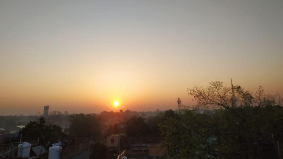 Weather Forecast : दिल्ली में गर्मी का कहर, झारखंड में होगी बारिश, जानें यूपी-बिहार सहित अन्य राज्यों के मौसम का हाल