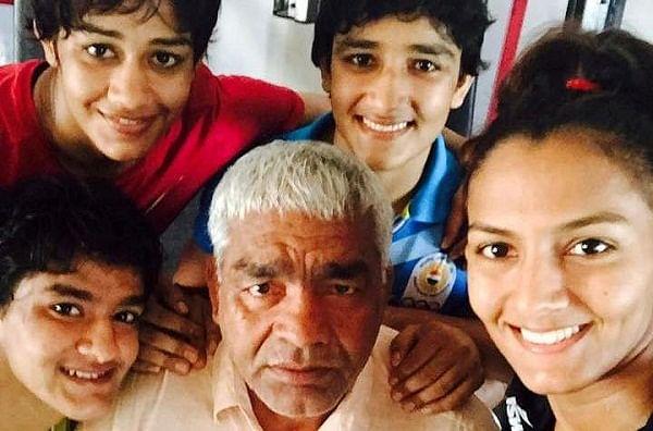 फाइनल मैच में हार का सदमा नहीं बर्दाश्त कर पायी गीता-बबीता फोगाट की बहन, फांसी लगा की खुदकुशी