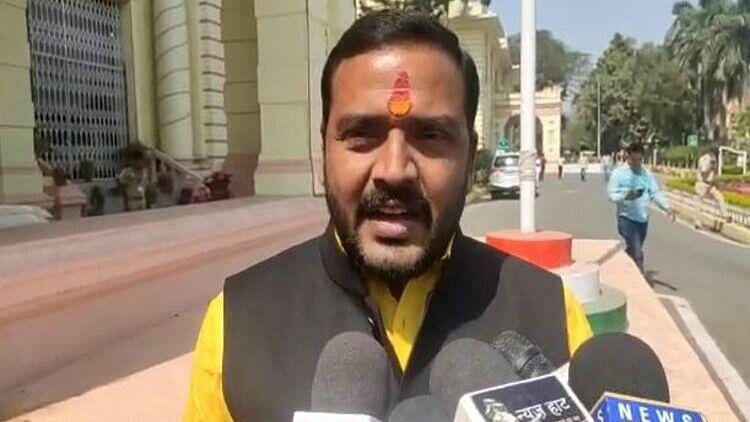 Bihar News: बिहार में बढ़ते अपराध पर BJP विधायक की मांग, अपराधियों पर यूपी मॉडल लागू करे सरकार