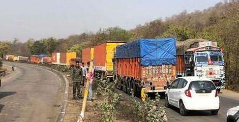 हजारीबाग में सड़क दुर्घटना में हवलदार समेत दो लोगों की मौत, अनियंत्रित ट्रक ने रौंदा