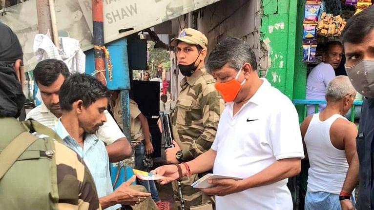 West Bengal Chunav 2021 LIVE Update : प्रधानमंत्री नरेंद्र मोदी की रैली की तैयारियां तेज, बांटे जा रहे हैं आमंत्रण पत्र