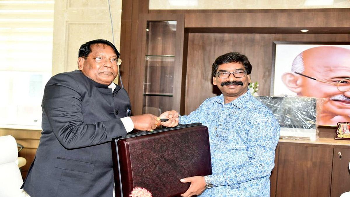 Jharkhand Budget 2021 : कृषि और ग्रामीण अर्थव्यवस्था को मजबूती देने पर जोर, मनरेगा मजदूरों की बढ़ी मजदूरी