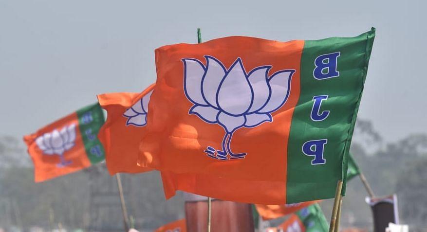बंगाल चुनाव 2021: TMC के सिंगूर वाले मास्टर मोसाई समेत 5 विधायक BJP में, टॉलीवुड एक्ट्रेस तनुश्री भी भगवा दल में शामिल