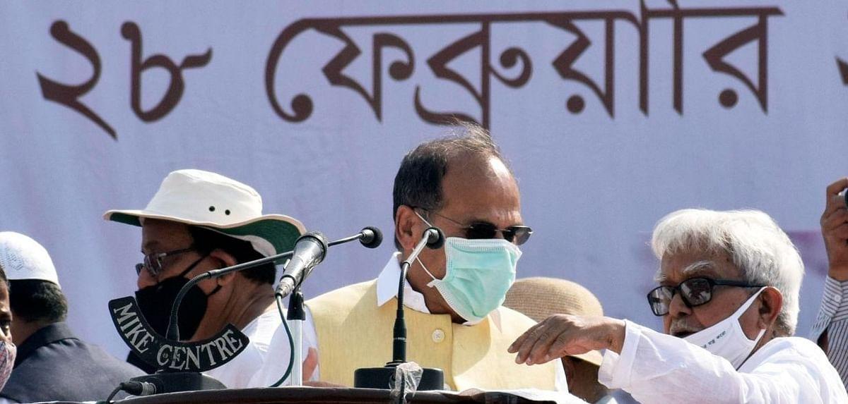 Bengal Election 2021 के बीच कांग्रेस में सिरफुटौव्वल, दिग्गज नेता आनंद शर्मा और अधीर रंजन में शुरू हुआ ट्विटर वार, पढ़िए पूरा मामला