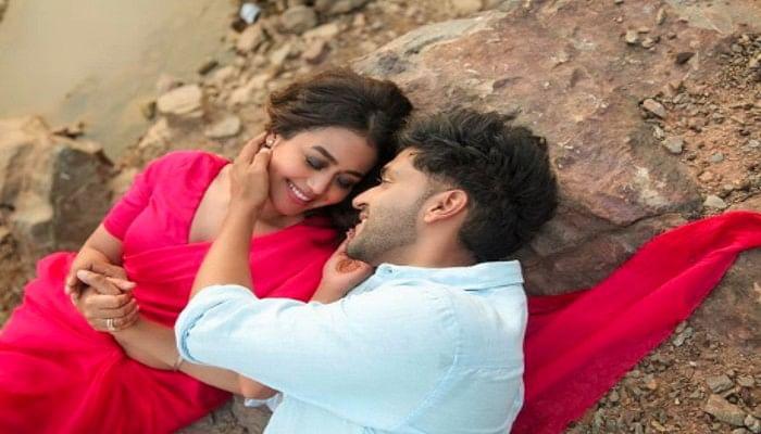 Aur Pyaar Karna Hai Song Out: सिंगर Neha Kakkar और Guru Randhawa की जोड़ी लगी लाजवाब, नए सॉन्ग ने रिलीज होते ही यूट्यूब पर मचाया धमाल