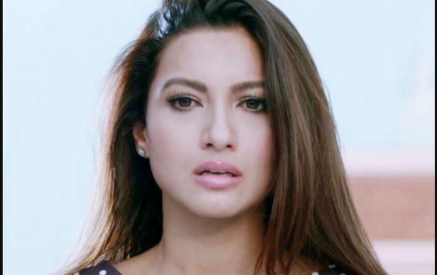 अरे क्या! कोरोना पॉजिटिव होते हुए भी शूटिंग कर रहीं थीं गौहर खान, दर्ज हुई एफआईआर