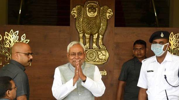 Bihar Panchayat Chunav: बिहार पंचायत चुनाव से पहले नीतीश सरकार ने सभी मुखिया को दे दिया ये अधिकार, बड़ी झंझट भी खत्म!