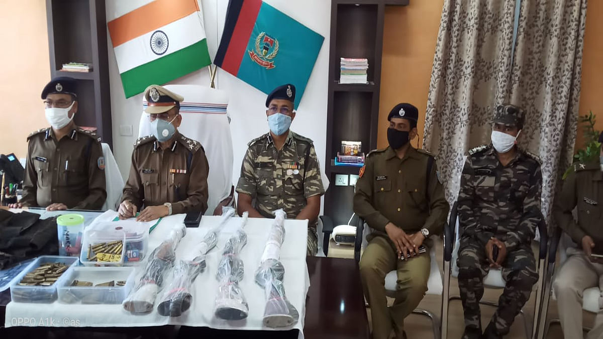 Jharkhand Crime News : इनामी सरेंडर नक्सली जीवन कुंडलना की निशानदेही पर रायफल समेत विस्फोटक बरामद, पूरे राज्य में 77 केस है दर्ज