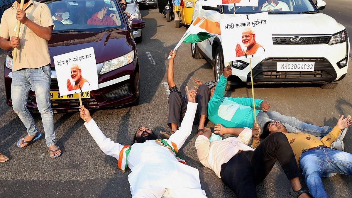 Farmers Protest LIVE Updates : 'किसानों से पंगा न लें', केएमपी और केजीपी को किसानों ने किया जाम, वाहनों की लगी कतार