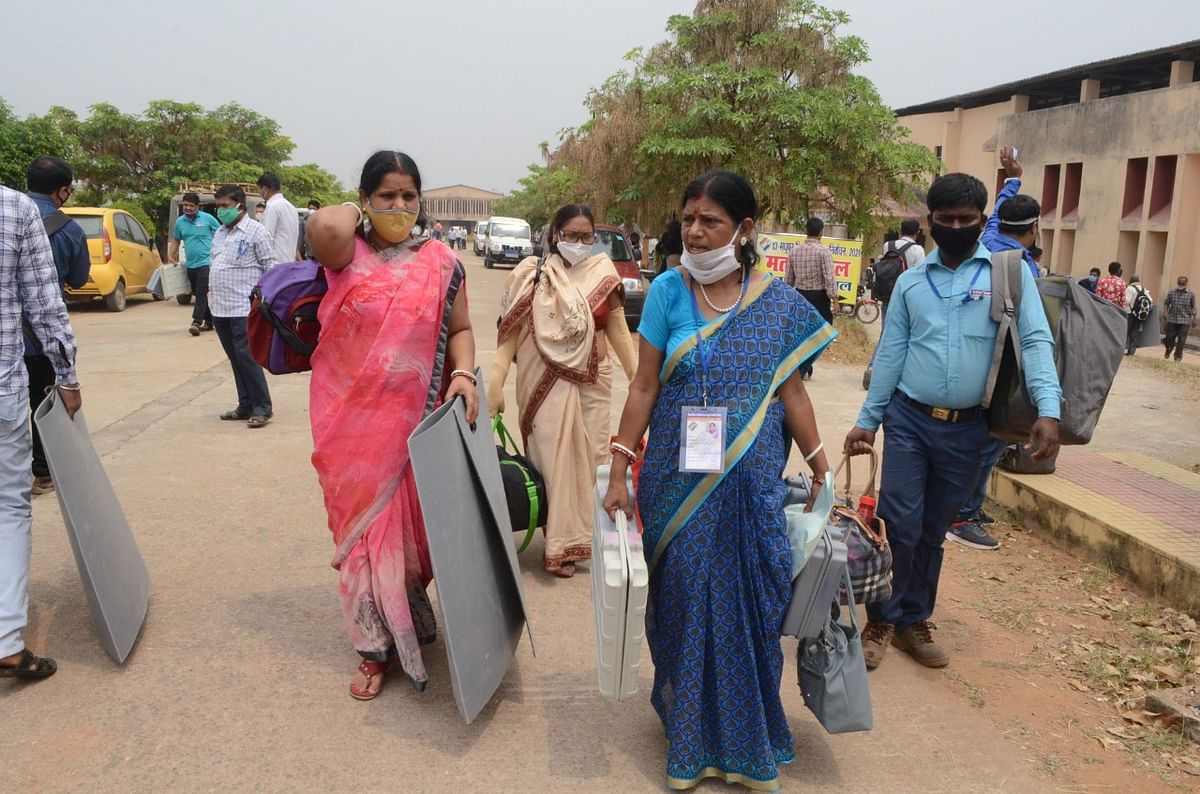 Madhupur By Election 2021 LIVE : मधुपुर उपचुनाव में कोविड गाइडलाइन के अनुरूप है मतदान की व्यवस्था, कुछ ऐसे हैं सुरक्षा के इंतजाम
