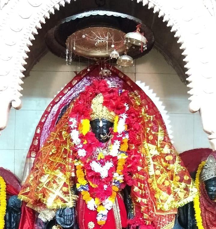 Chaitra Navratra 2021 : चैत्र नवरात्र आज से शुरू, चतरा के भद्रकाली मंदिर में मां शैलपुत्री की हुई विधिवत पूजा, कोरोना के बीच ऐसी है मंदिर की व्यवस्था