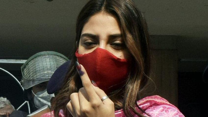 वोटिंग के बाद नुसरत जहां का ECI पर हमला, कहा- पीएम मोदी की रैली रद्द के बाद क्यों दिखा कोरोना?