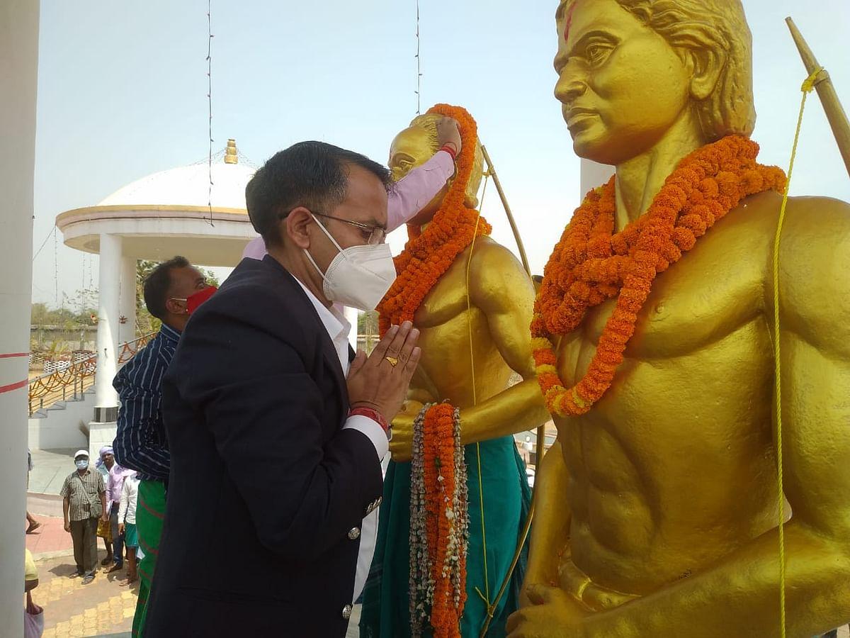 साहिबगंज में मनायी गयी स्वतंत्रता संग्राम के महानायक सिदो-कान्हू की जयंती, लोगों ने बलिदान को किया नमन