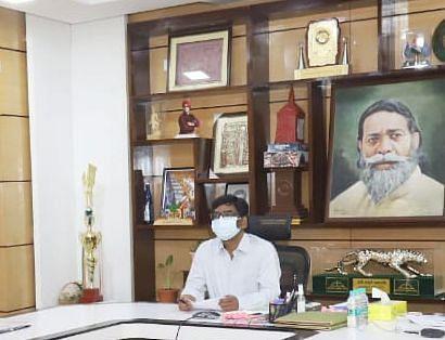 Human Trafficking News : दिल्ली में रेस्क्यू की गयी झारखंड की नाबालिग मामले में सीएम हेमंत सोरेन ने लिया संज्ञान, झारखंड पुलिस को दिया निर्देश, दिल्ली महिला आयोग की अध्यक्ष के प्रति जताया आभार