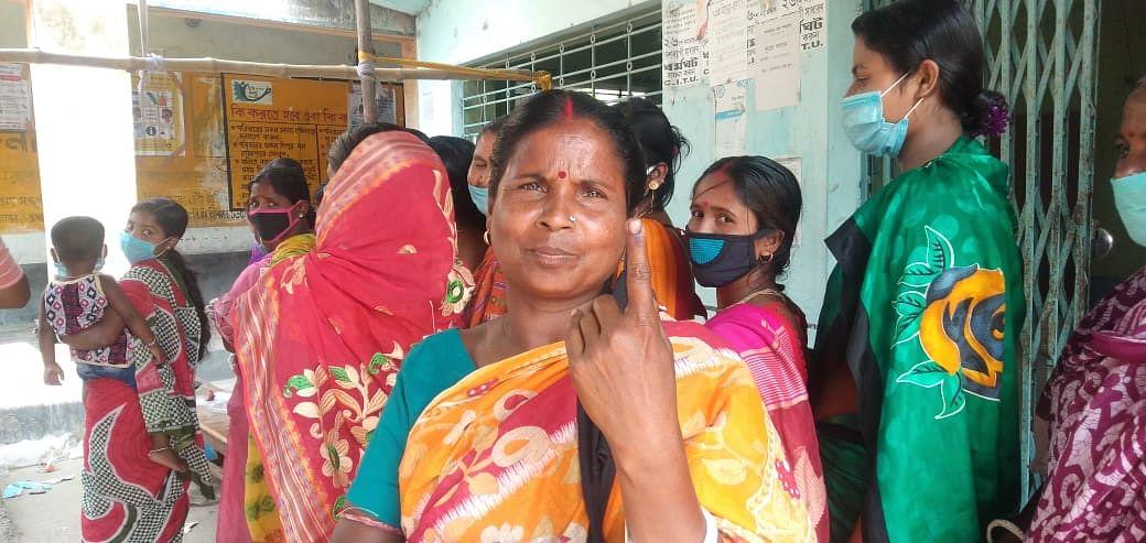 पांचवे चरण का मतदान संपन्न, छिटपुट हिंसा के बीच हुई बंपर वोटिंग, दांव पर दिग्गजों की प्रतिष्ठा