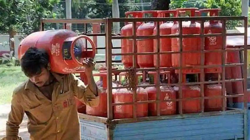 LPG Cylinder पर 800 रुपये की छूट पाने का आज आखिरी मौका, जानें ऑफर डीटेल