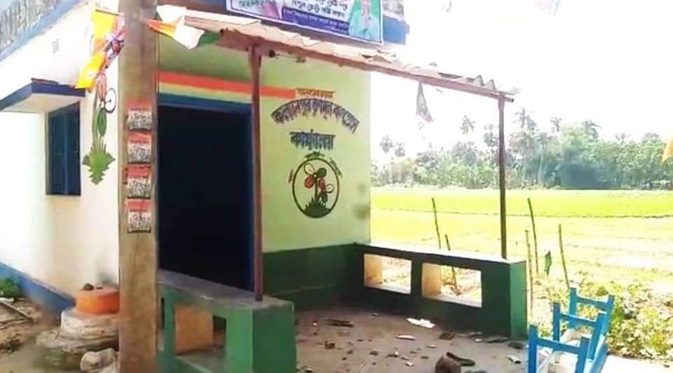 BJP कार्यकर्ता की मौत पर गुस्साए समर्थकों का तांडव, TMC कार्यालय में तोड़फोड़