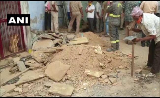 मिर्जापुर में मकान की छत ढहने से एक ही परिवार के 5 लोगों की मौत, सीएम ने किया मुआवजे का एलान