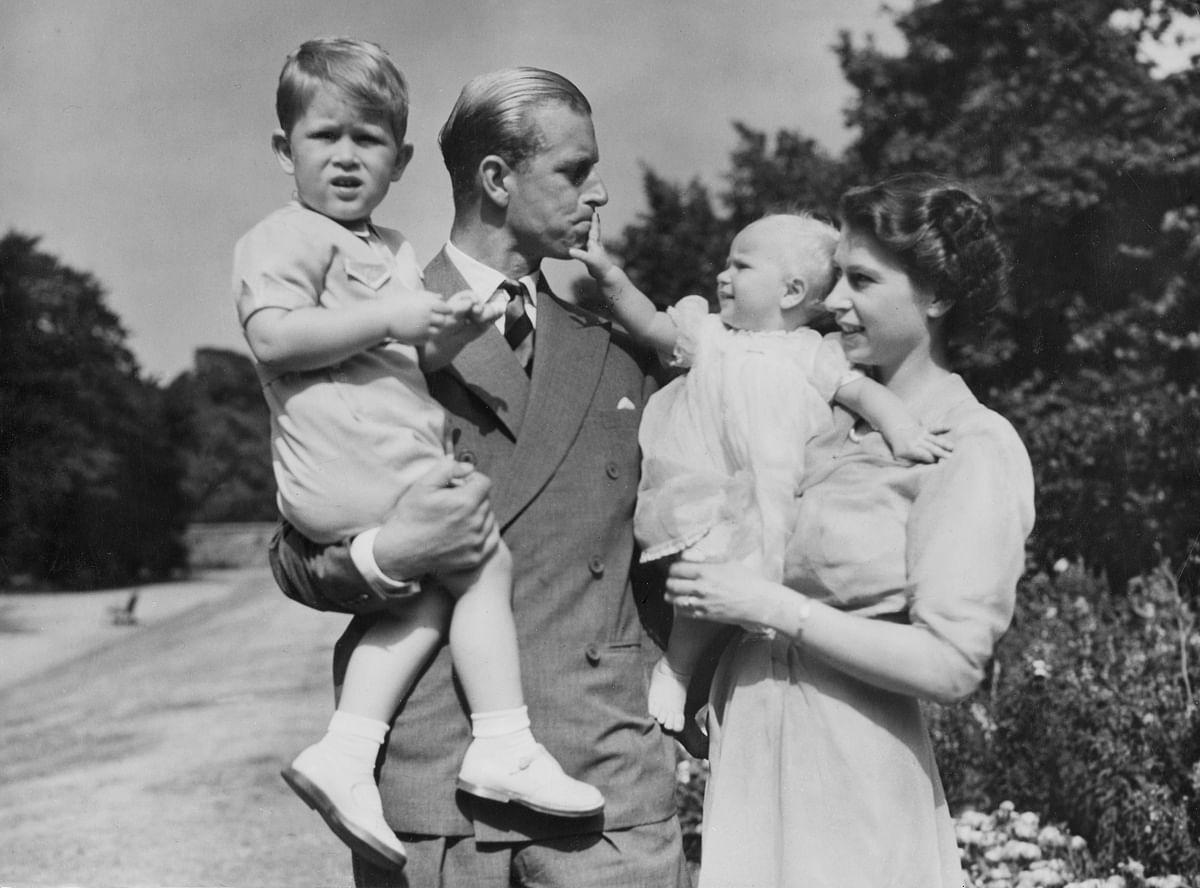 क्वीन एलिजाबेथ द्वितीय के पति प्रिंस फिलिप का निधन, 1947 में हुई थी दोनों की शादी
