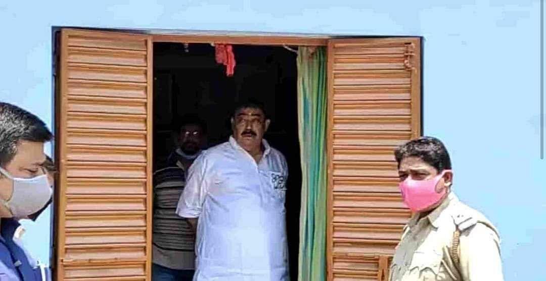 तीन घंटे की लुका-छिपी के बाद तारापीठ मंदिर में दिखे अणुव्रत मंडल, BJP पर राजनीति का लगाया आरोप