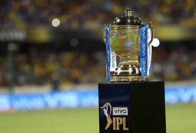 केवल इंडियन प्लेयर्स ही खेलेंगे IPL 2021 के बाकी बचे मैच? विदेशी खिलाड़ियों को लेकर बढ़ीं  BCCI की मुश्किलें