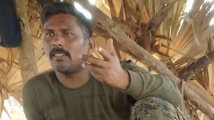 Chhattisgarh Naxal Attack : नक्सलियों ने जारी की बंधक जवान की तस्वीर, परिजनों ने कहा, पुरानी हो सकती है तस्वीर, वीडियो जारी करें