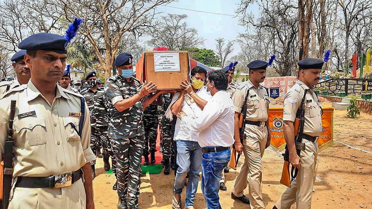Chhattisgarh Naxal Attack : जवानों की शहादत का बदला लेने अमित शाह पहुंचे छत्तीसगढ़, नक्सलियों को दिया जाएगा मुंहतोड़ जवाब