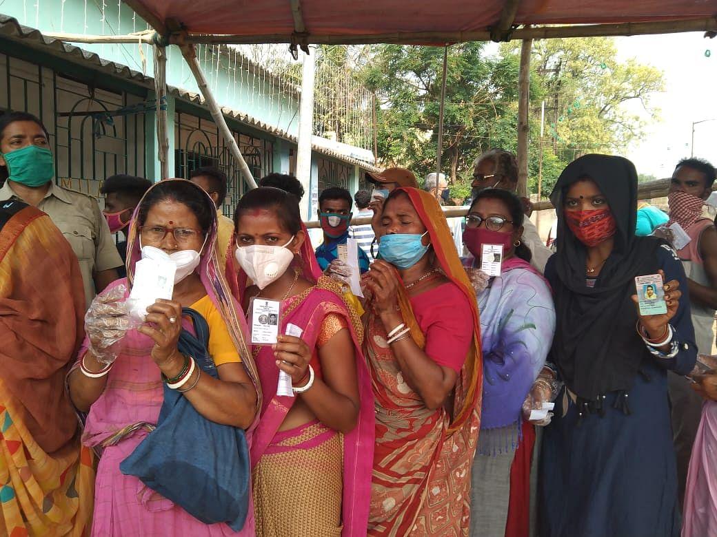 Bengal Election 2021: हिंसा के साथ शुरू हुआ बंगाल में सातवें चरण का मतदान