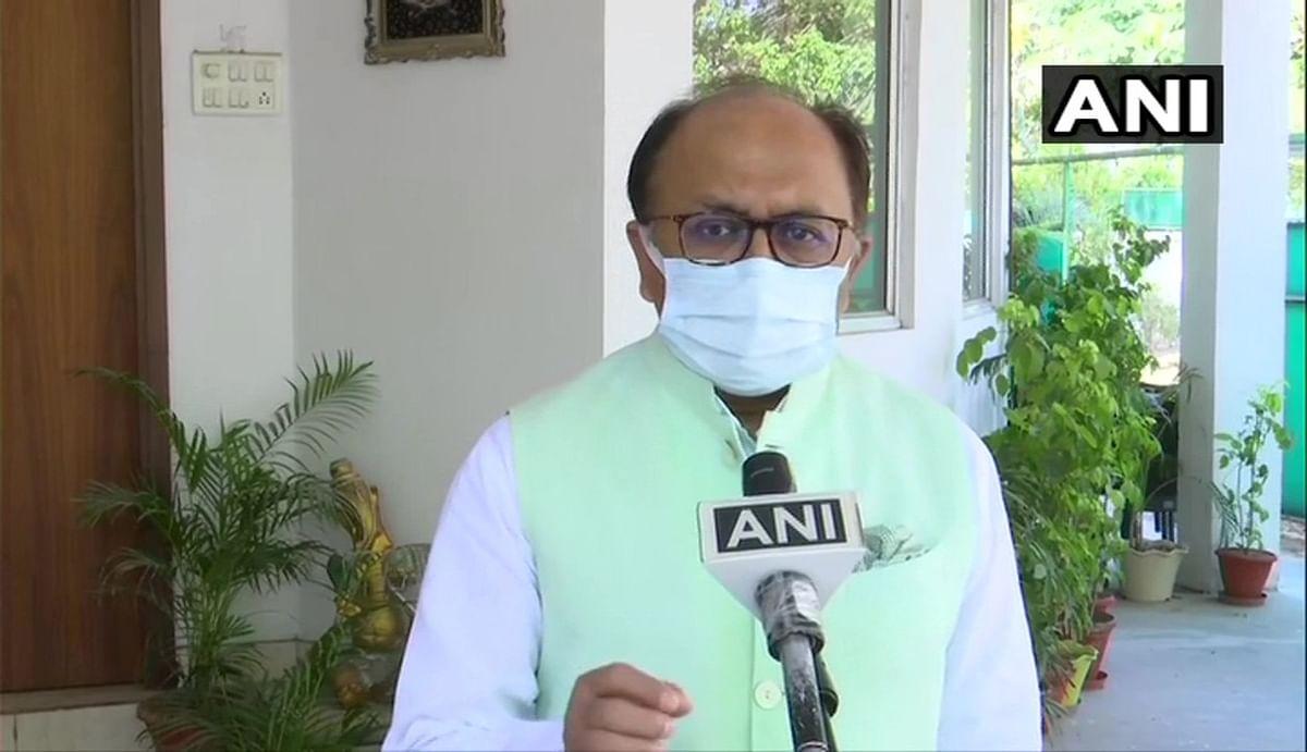 दिल्ली के लॉकडाउन पर राजनीति शुरू, यूपी के कैबिनेट मंत्री सिद्धार्थ सिंह ने सीएम केजरीवाल पर लगाए गंभीर आरोप