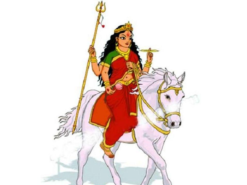 Chaitra Navratri 2021: इस बार घोड़े पर सवार होकर आएंगी मां दुर्गे और इस वाहन पर होंगी विदा जानें उनके सवारी के मायने