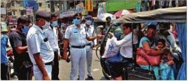 'मास्क नहीं तो खैर नहीं', एक्शन में कोलकाता पुलिस, Shopping Mall और बाजारों में चलाया अभियान