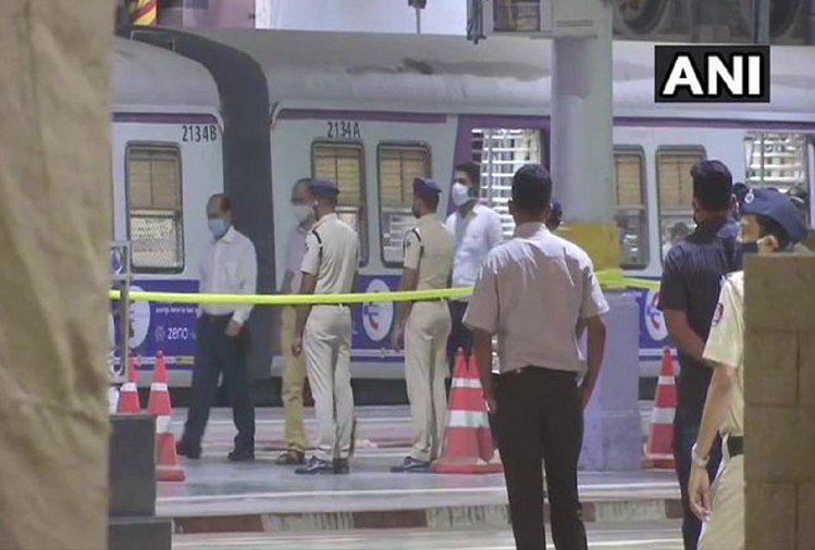 Sachin Waze Case: सचिन वाजे को CST रेलवे स्टेशन लेकर पहुंची NIA की टीम, सीन किया रिक्रिएट, जांच एजेन्सी को इस बात का शक