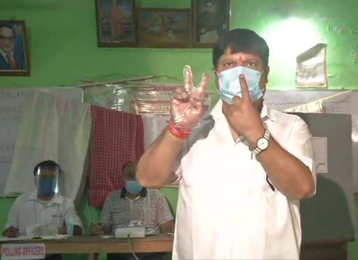 WB Chunav 2021: हिंसा रोकने में प्रशासन रही असफल तो खुद उतरेंगे मैदान में, वोट देने के बाद बोले बीजेपी सांसद अर्जुन सिंह