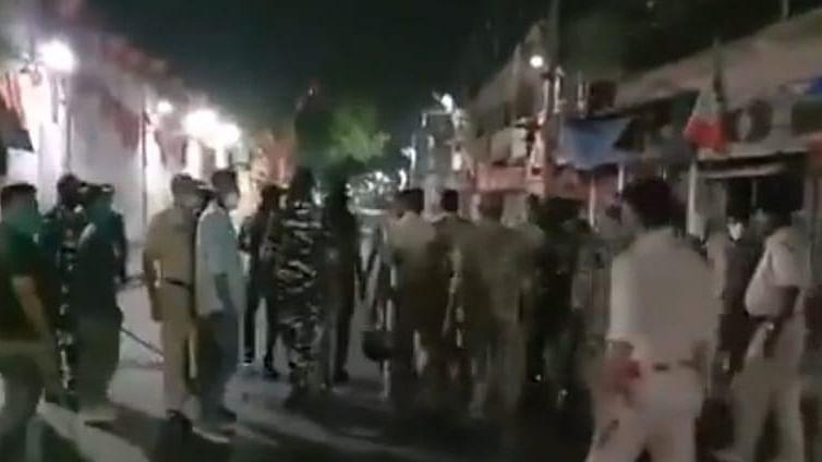 Bengal Election 2021: छठे चरण के चुनाव से पहले सांसद अर्जुन सिंह के घर के पास विस्फोट, बमबाजी से दहल उठा भाटपाड़ा व बीजपुर