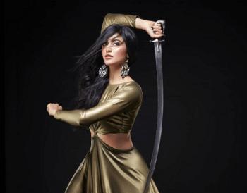 कोरोना को भगाने के लिए अदा शर्मा ने उठाई तलवार, चर्चा में एक्ट्रेस का नया फोटोशूट