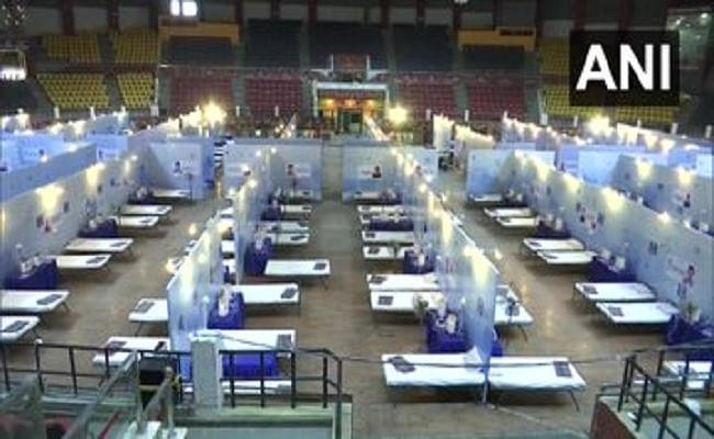 छत्तीसगढ़ में कोरोना के बढ़ते मामलों के बीच रायपुर में इंडोर स्टेडियम को बनाया गया अस्पताल, 370 बेड वाले इस कोविड केयर सेंटर में मरीजों को मिलेगी ये सुविधाएं