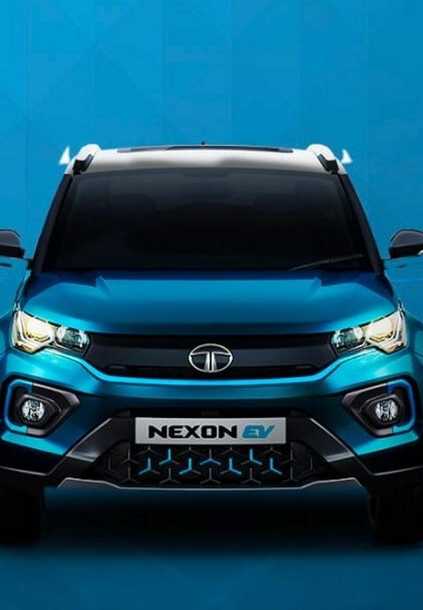 Tata Nexon EV: फुल चार्ज में 312 किमी दौड़ेगी टाटा की यह इलेक्ट्रिक कार, कम डाउनपेमेंट और इतनी EMI पर घर ले जाएं