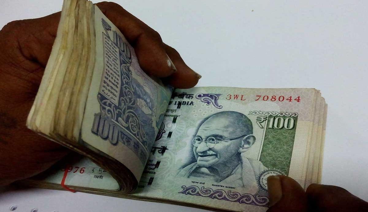 APY : केवल 7 रुपये जमा करके आप हर महीने पा सकते हैं कम से कम 5000 रुपये, जानिए कैसे मिलेगा लाभ?