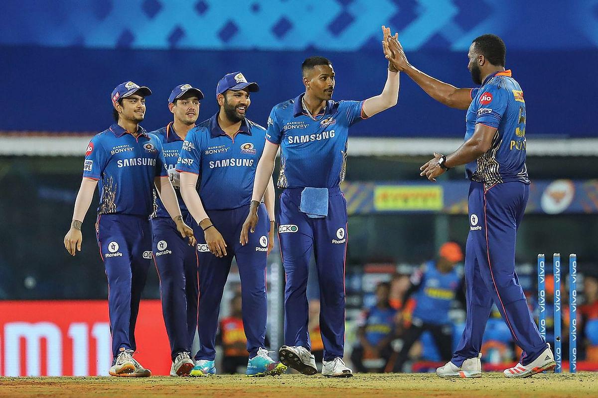 VIVO IPL 2021 MI vs SRH Live Score Streaming : हैदराबाद की हैट्रिक हार, मुंबई ने रोमांचक मुकाबले में 13 रन से हराया