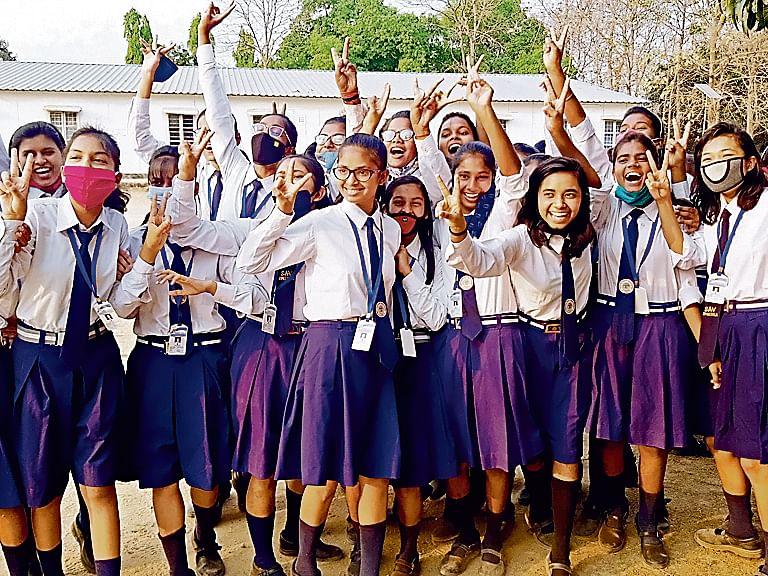 बिहार के हर जिले में क्यों ना स्थापित हो सिमुलतला जैसा विद्यालय? जानिए इस 'टापर्स की फैक्ट्री' की कहानी