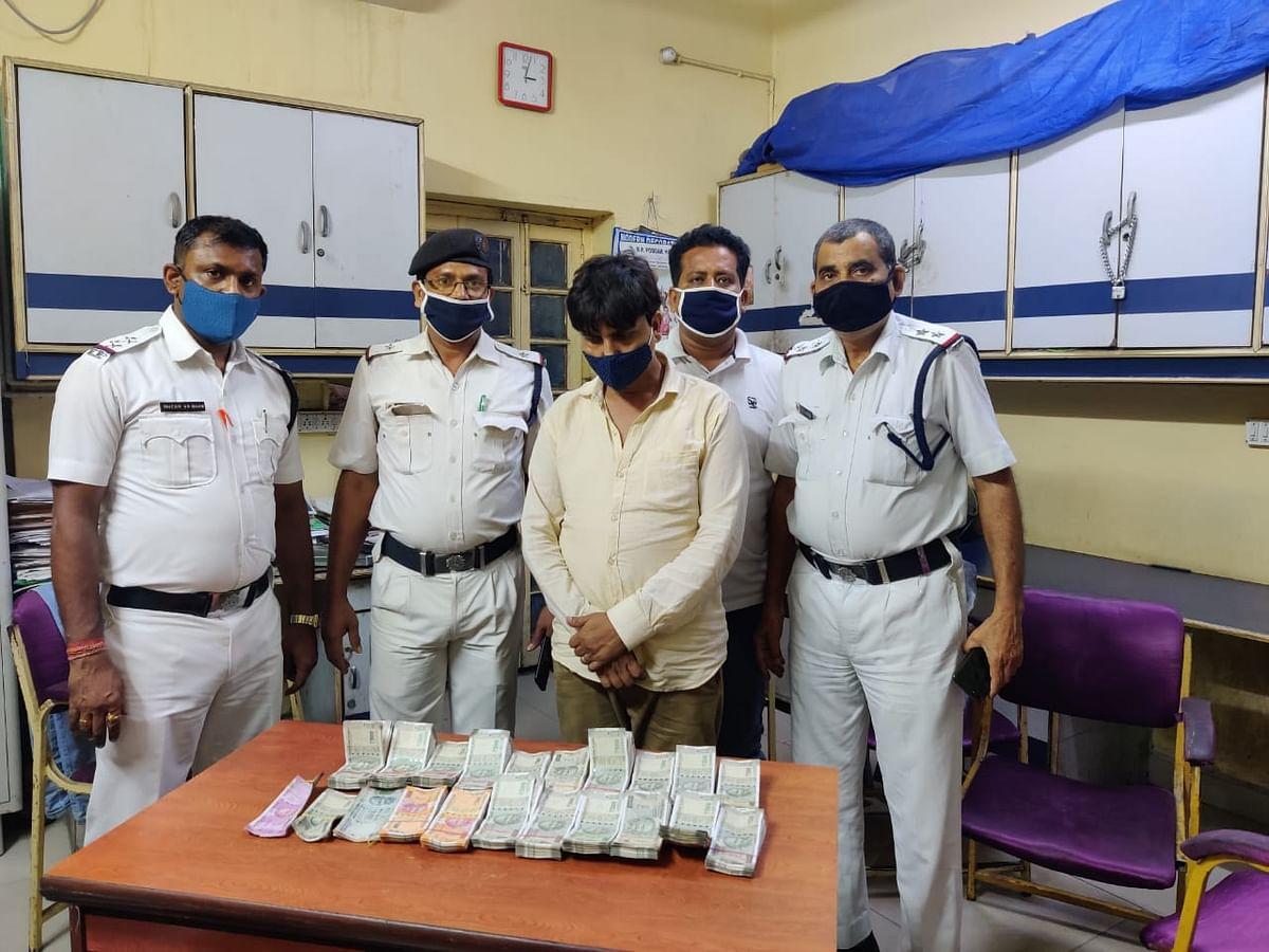 उत्तर कोलकाता के जोड़ासांको में चुनाव से पहले  8.71 लाख रुपया जब्त, एक गिरफ्तार