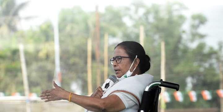 'बंगाल में Lockdown का प्लान नहीं, कोरोना की दूसरी लहर के लिए पीएम जिम्मेदार'- कालियागंज की रैली में Mamata Banerjee का बयान