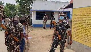 Bengal Election 2021: बंगाल में इस मतदान केंद्र की सीसीटीवी टूटी, मचा हड़कंप