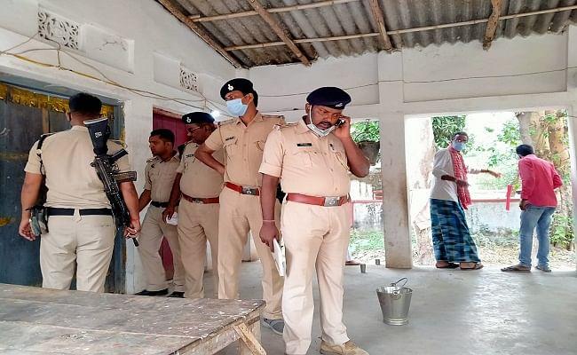 बिहार: मधुबनी के धरोहर मंदिर के दो पुजारी की नृशंस हत्या, आरोपित हत्यारे ने मंदिर में लगे खून को किया साफ