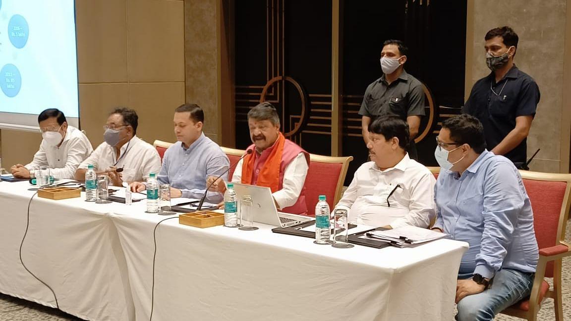 सातवें चरण की वोटिंग से पहले भाजपा ने ममता बनर्जी सरकार पर फोड़ा 5000 करोड़ की धान खरीद घोटाला का बम